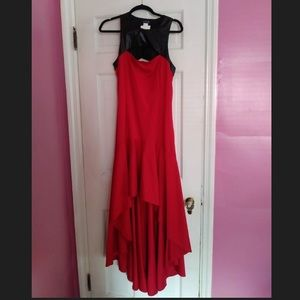 Black and Red Assymetric Dress😍😍😍